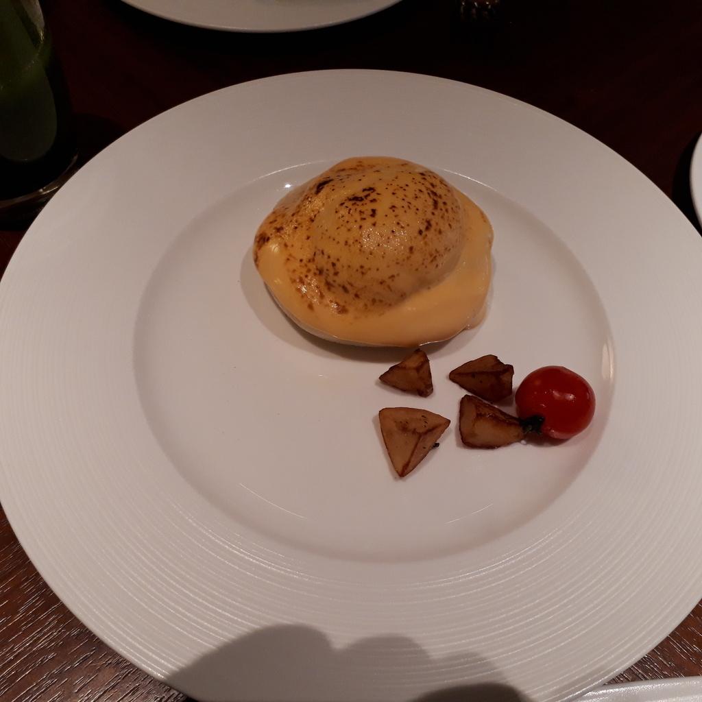 リッツカールトン京都 ラ・ロカンタ 朝食 エッグベネディクト